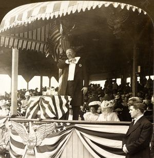 President Roosevelt delivering his address, Georgia Day, Jamestown Exposition, Va
